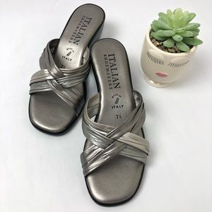 ⬇️$22 Italian Shoemakers Silver Strappy Slides 7.5